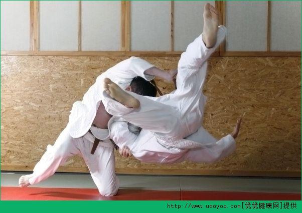 柔道和摔跤哪个厉害?柔道和摔跤的区别[多图]