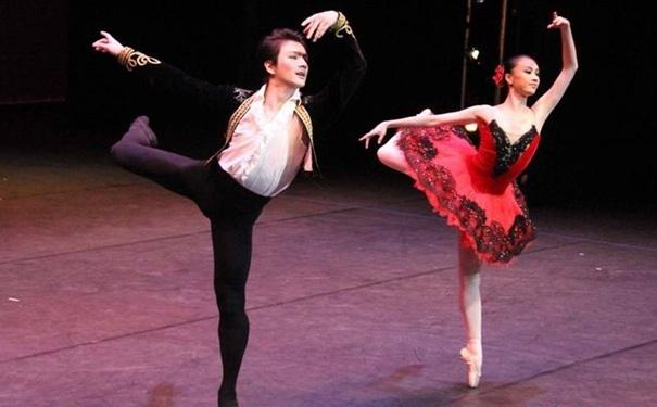 跳拉丁舞腿会变粗吗?拉丁舞会让腿变粗吗?[图]