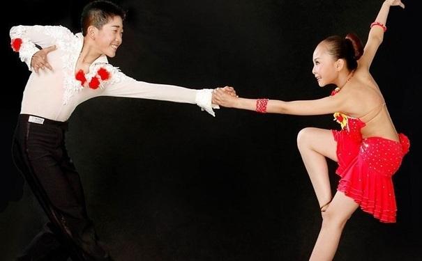 跳拉丁舞要注意什么?跳拉丁舞过程中要注意哪些要点?[