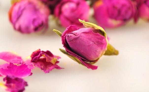 干的玫瑰花如何保存?干的玫瑰花有多久的保质期?[图]