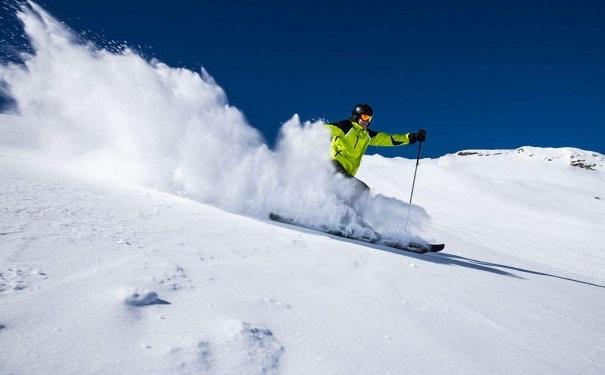 冬季滑雪有哪些好处?冬季滑雪