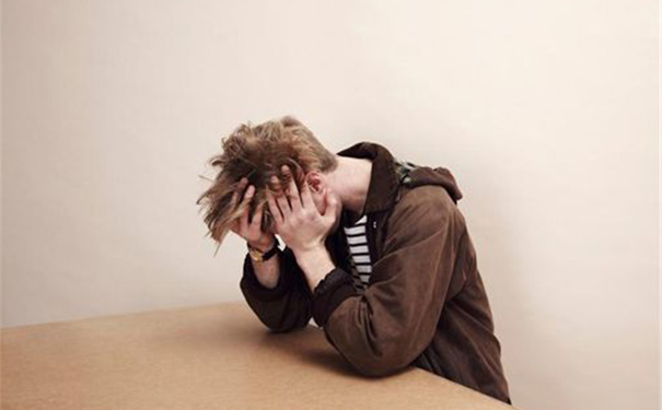 抑郁症都有哪些症状呢?哪些人