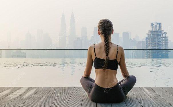 久坐如何利用呼吸法减肥?瑜伽中的呼吸法是怎么回事?[