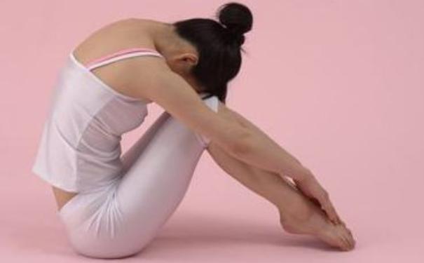 产后哪些瑜伽动作能瘦身?哪些瑜伽动作能帮助产妇减肥