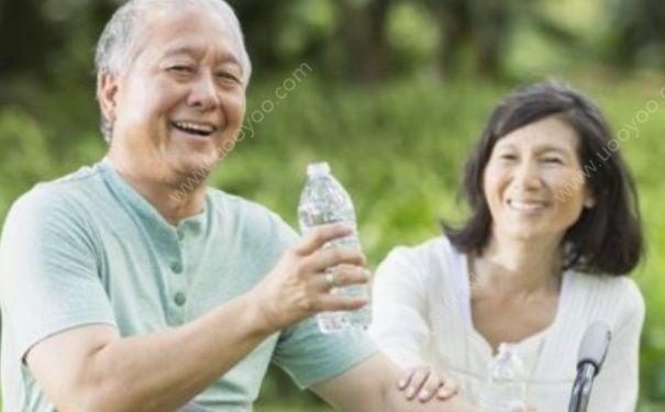 老人秋季如何补水?老年人秋季