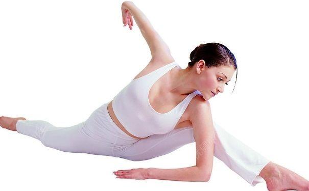 瑜伽丰胸方法有哪些?哪些瑜伽动作可以丰胸?[图]