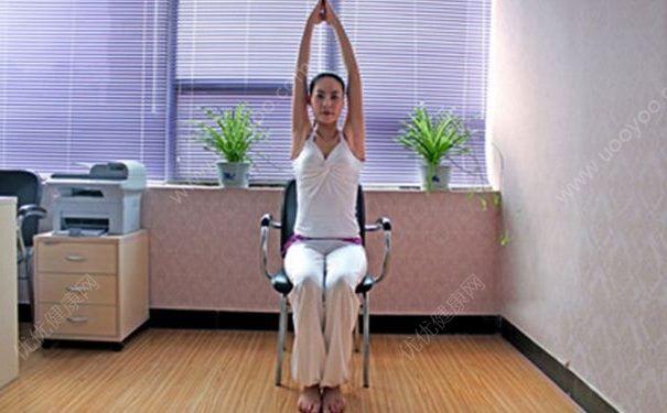 白领练习瑜伽的动作有哪些?有哪些瑜伽动作白领可以练