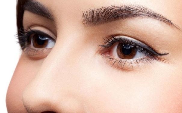 割双眼皮术后有什么东西不能