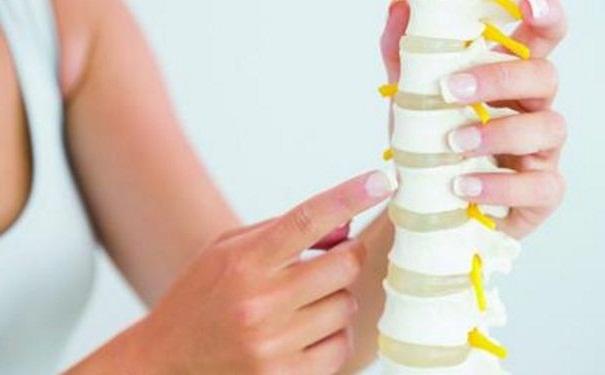 预防骨质疏松该怎么做?骨质疏松吃什么比较好?[图]