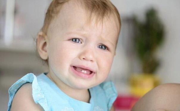 宝宝长牙会有什么症状?宝宝长牙的注意事项有哪些?[图]