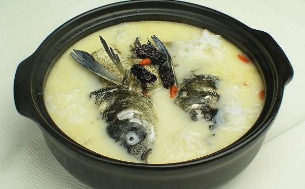 鲤鱼汤怎么做美味?鲤鱼的具体做法有哪些?[图]
