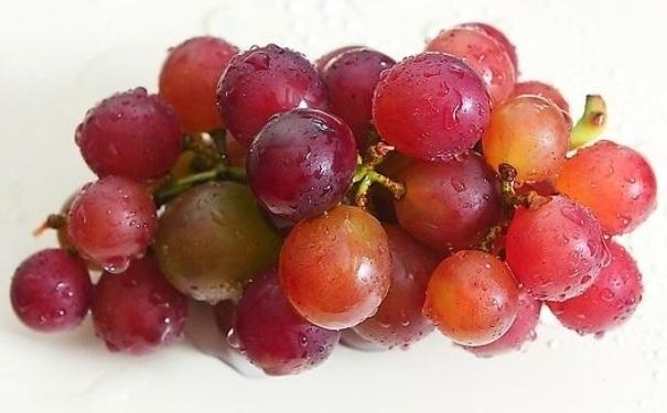 经常吃葡萄有什么好处?吃葡萄有哪些禁忌?[图]