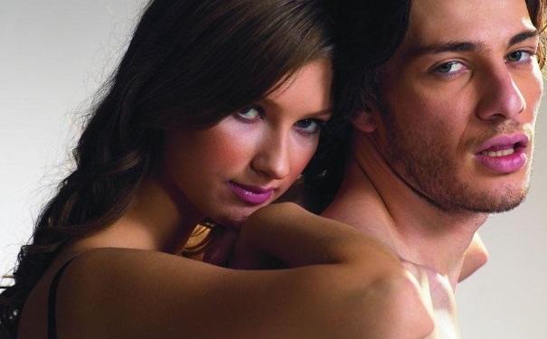 口交激情的姿势有哪些?如何用唇舌刺激让女人高潮?[图]